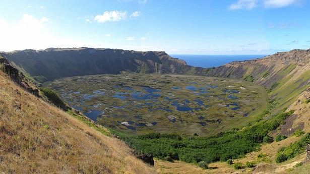 photo-rano-kau-volcano-easter-island-30544-xl