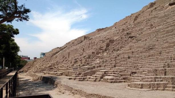 Huaca-Pucllana